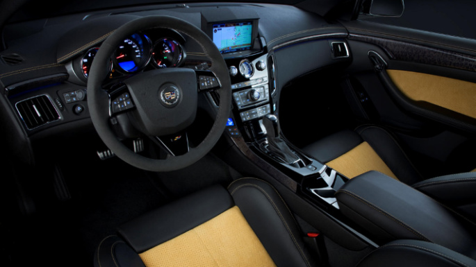cadillac-cts-v-coupe-int