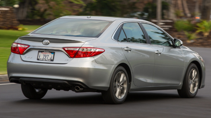2017-toyota-camry-overview-image