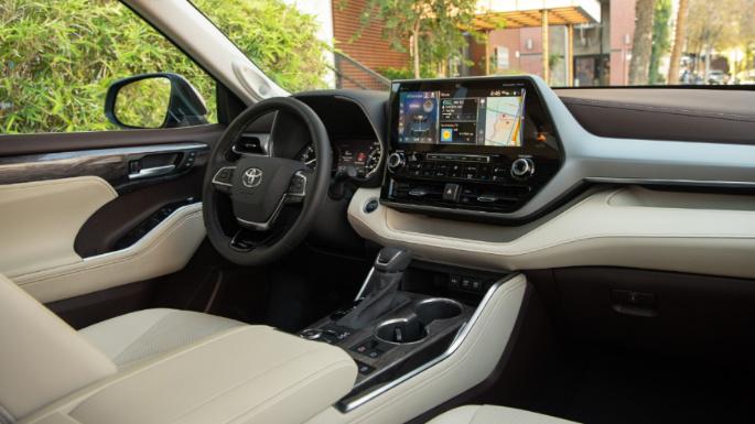 2020-toyota-highlander-dashboard-image