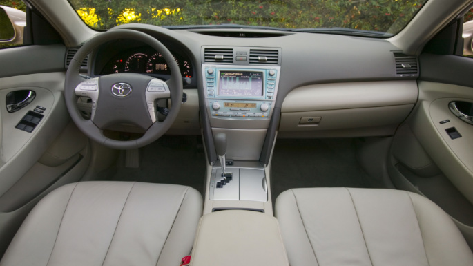 2007-toyota-camry-hybrid-int