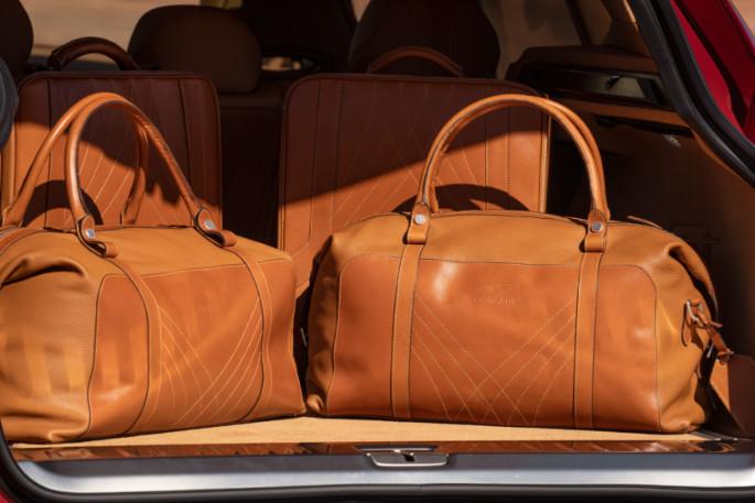 Aston Martin DBX 35 Luggage Set