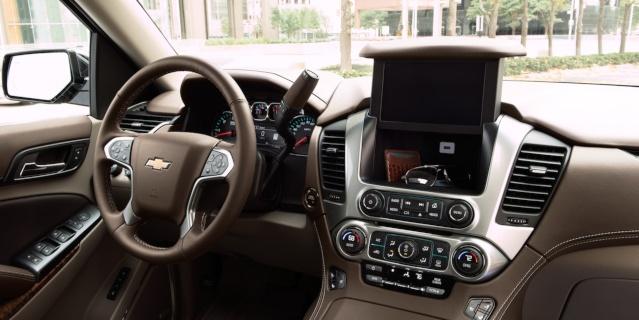 2019-chevy-tahoe-interior1