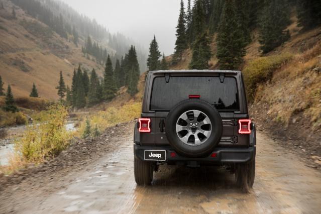 2019-jeep-wrangler-exterior2
