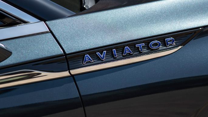2020-lincoln-aviator-image-16