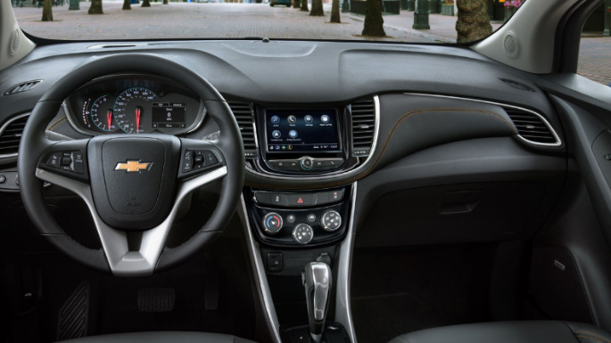 2020-chevrolet-trax-safety-image