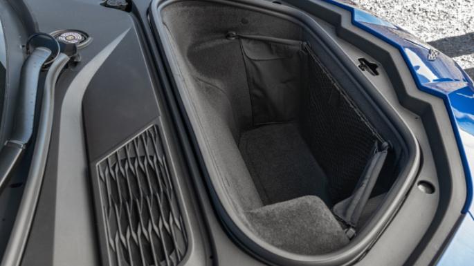 2020-chevrolet-corvette-trunk-image