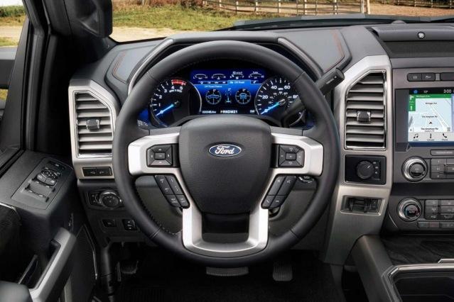 2019-ford-f-250-interior2