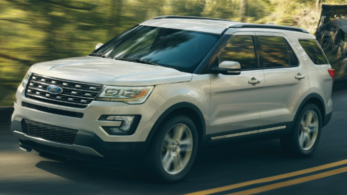 2017-ford-explorer-driving-image
