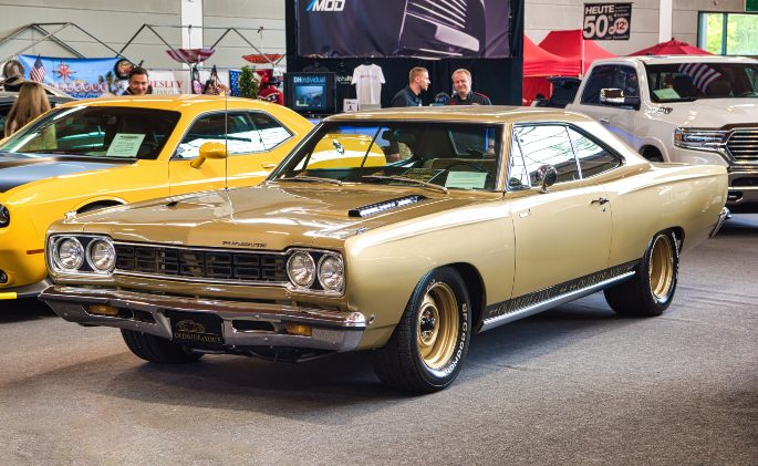 PLYMOUTH-ROAD-RUNNER-1968-picture