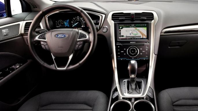 2016-ford-fusion-hybrid-int