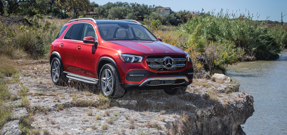 car pictures review: 2020 mercedes gle vs volvo xc90