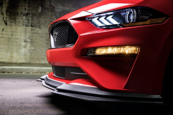 2019-ford-mustang-image-11