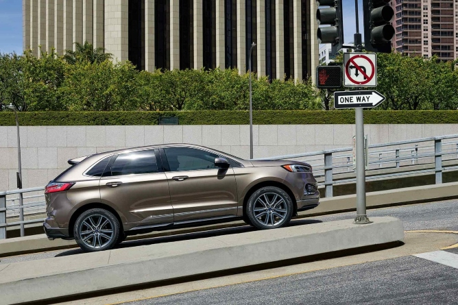2019-ford-edge-exterior-3