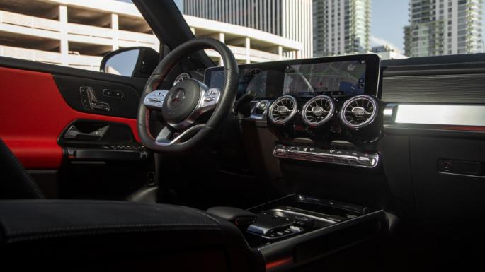 2020-mercedes-glb-dashboard-image