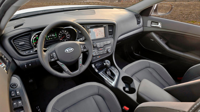 2011-kia-optima-hybrid-int