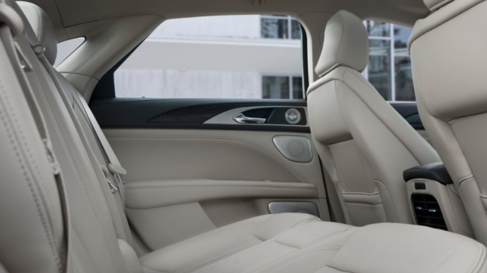 2020-lincoln-mkz-practicality-image
