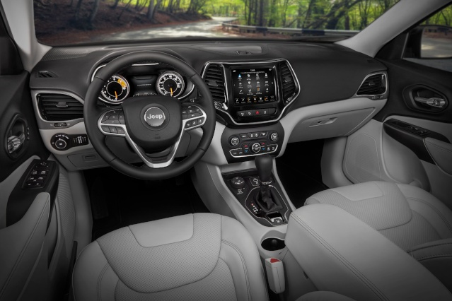 2019-jeep-cherokee-interior1