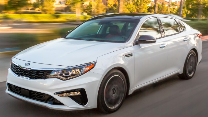 2019-kia-optima-driving-image
