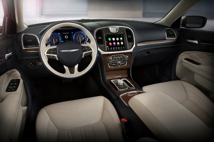 2019-chrysler-300-interior-2