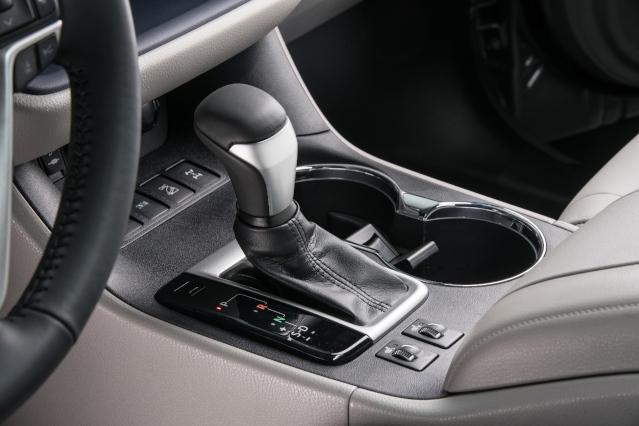 2019-toyota-highlander-interior2