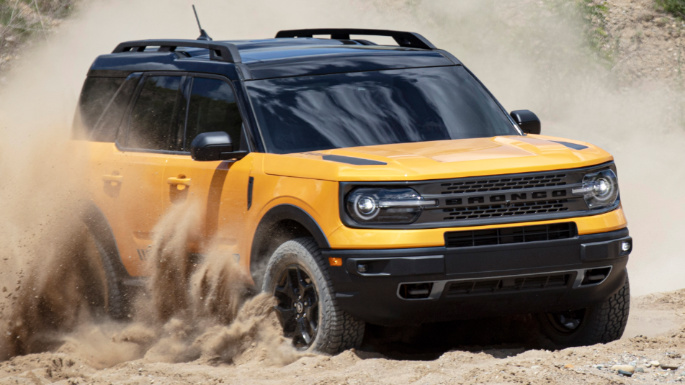 2021-ford-bronco-sport-driving-image