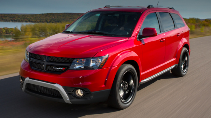 2020-dodge-journey-driving-image