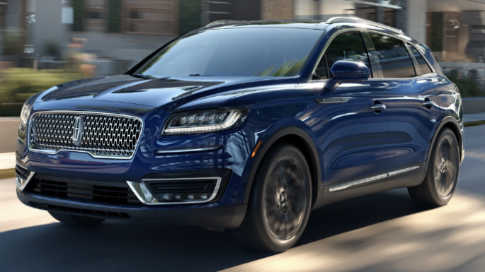 2020-lincoln-nautilus-driving-image