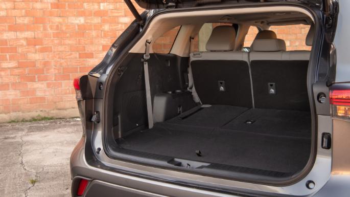 2020-toyota-highlander-trunk-image
