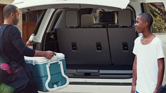 2020-ford-expedition-practicality-image
