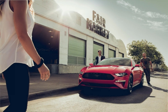 2019-ford-mustang-image-1