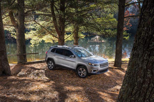 2019-jeep-cherokee-exterior1