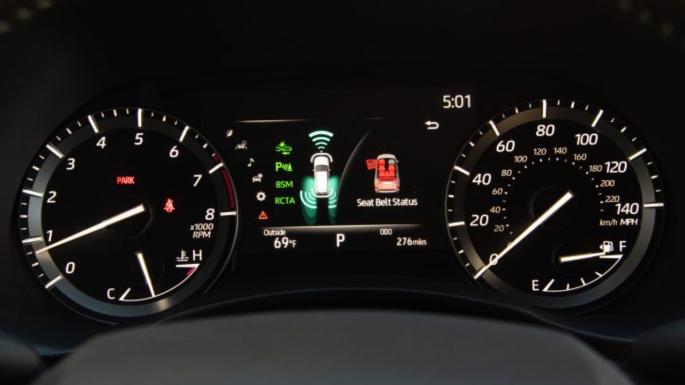 2021-toyota-highlander-fuel-image