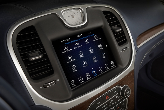 2019-chrysler-300-interior-4