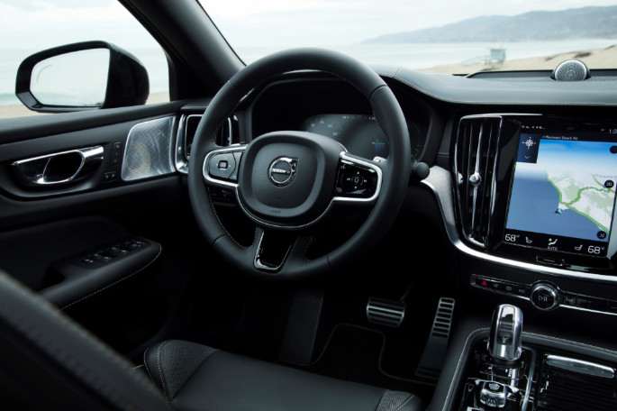 239381 New Volvo S60 Polestar Engineered interior