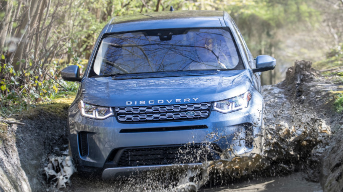 2020-land-rover-discovery-sport-value-image