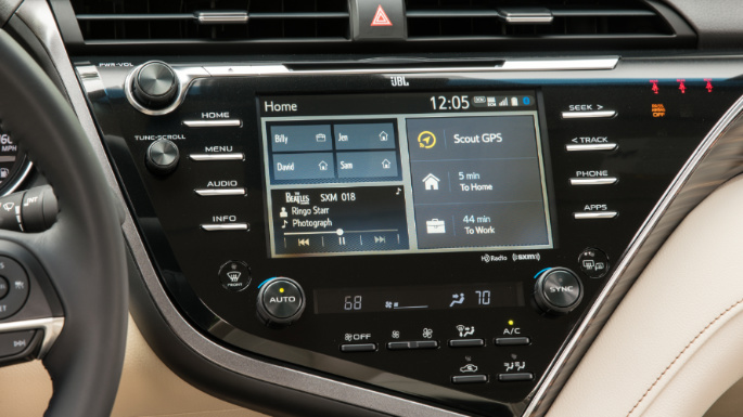 2020-toyota-camry-infotainment-image