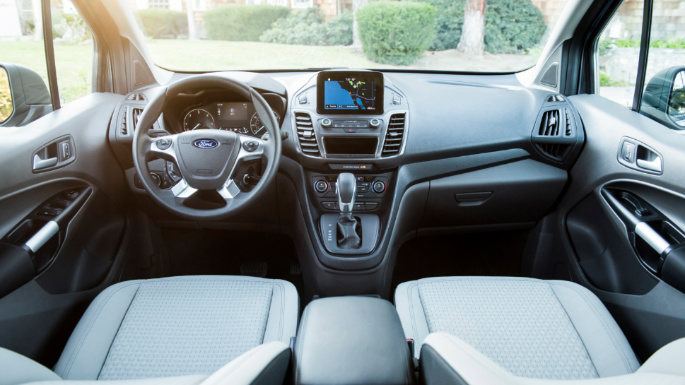 2021-ford-transit-connect-wagon-int
