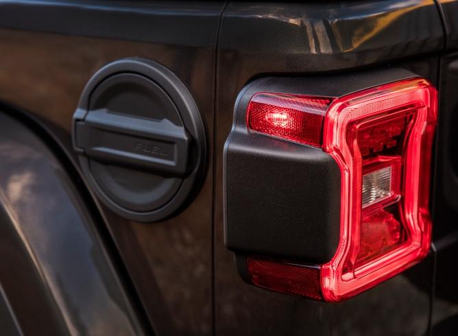 2019-jeep-wrangler-image-15