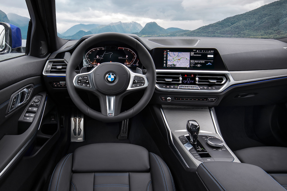 P90323694 highRes the-all-new-bmw-3-se (1)