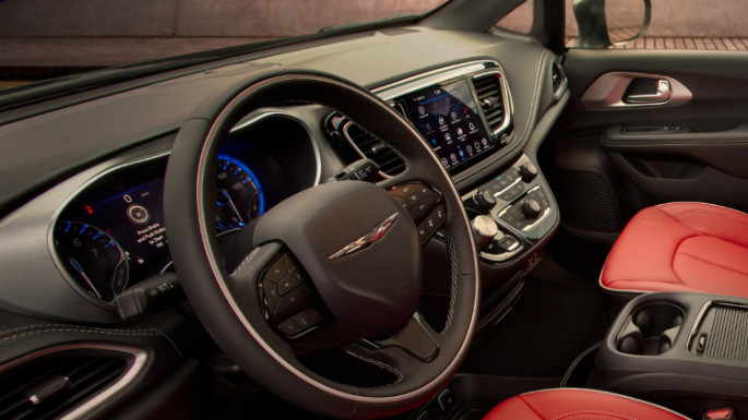 2020-chrysler-pacifica-image-6