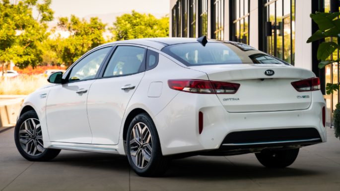 2020-kia-optima-overview-image