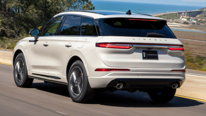 2020-lincoln-corsair-rear-image