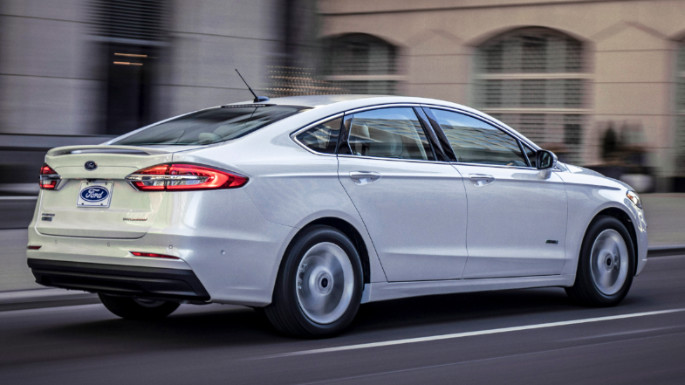 2020-ford-fusion-rear-image