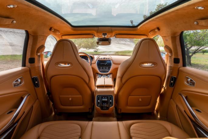 Aston Martin DBX 12