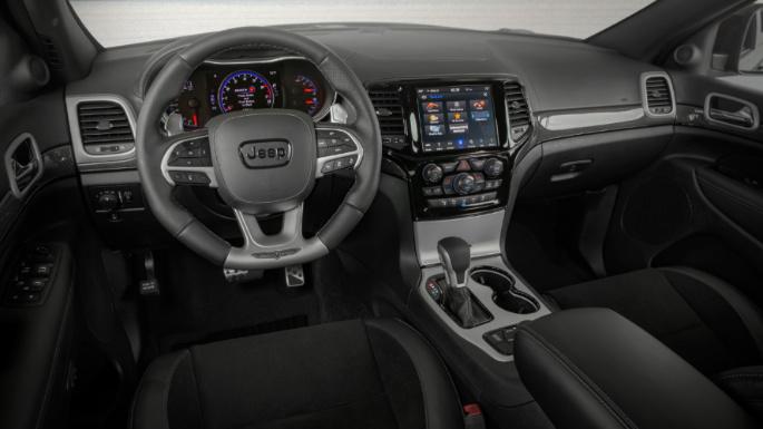 2021-jeep-grand-cherokee-int