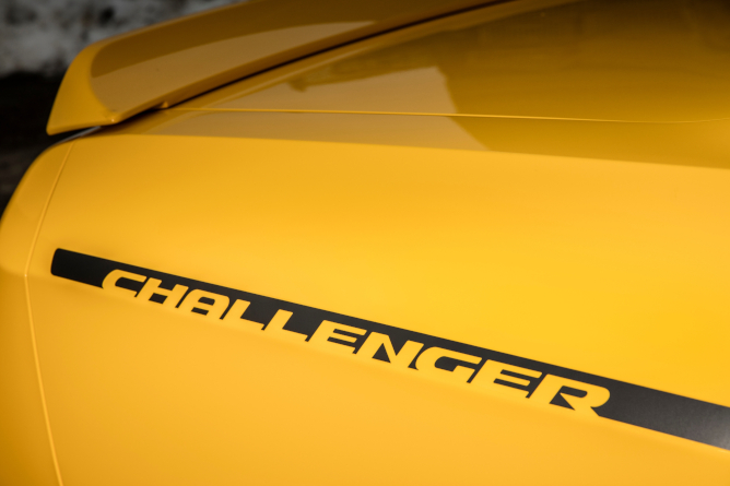 2019-dodge-challenger-image-15