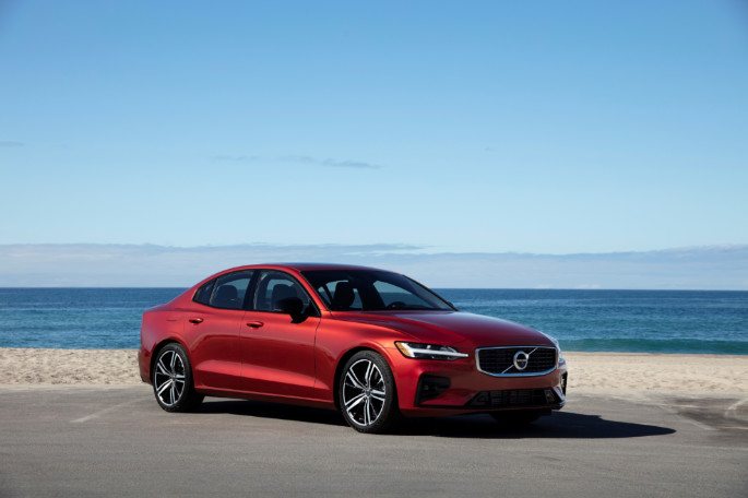 239393 New Volvo S60 R-Design exterior