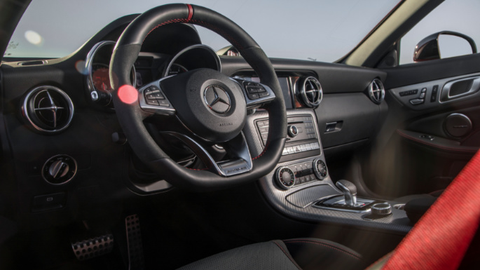 2020-mercedes-amg-slc-roadster-int