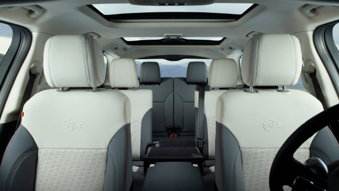 2019-land-rover-discovery-seats
