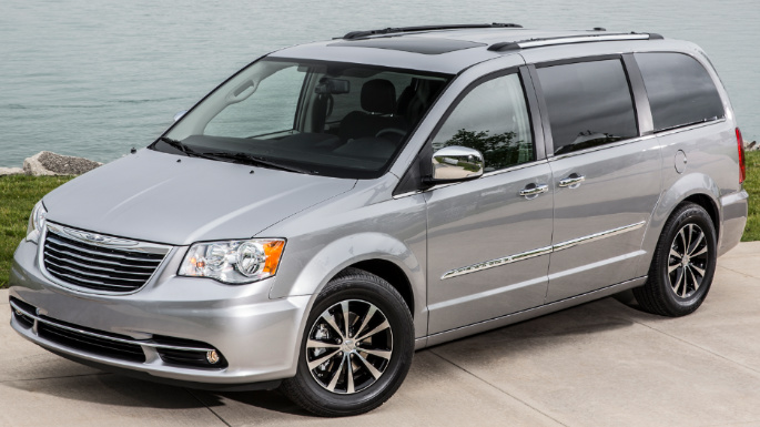 chrysler-town-and-country-ext